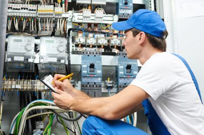 Top 5 Things to Look for When Hiring an Electrician